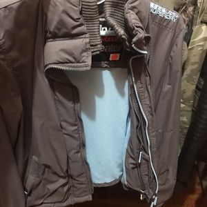 SUPERDRY WINDCHEATER SZ S IN GRAY